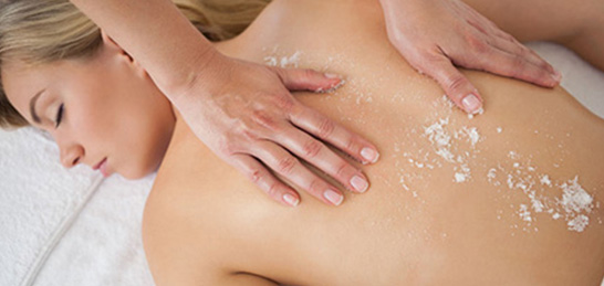 Peeling with Aroma Oil Body Massage